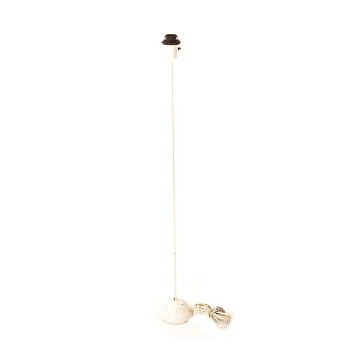 Floor lamp in white painted cast iron from Sweden manufactured by Markaryd