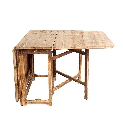 Leaf table - 1800s