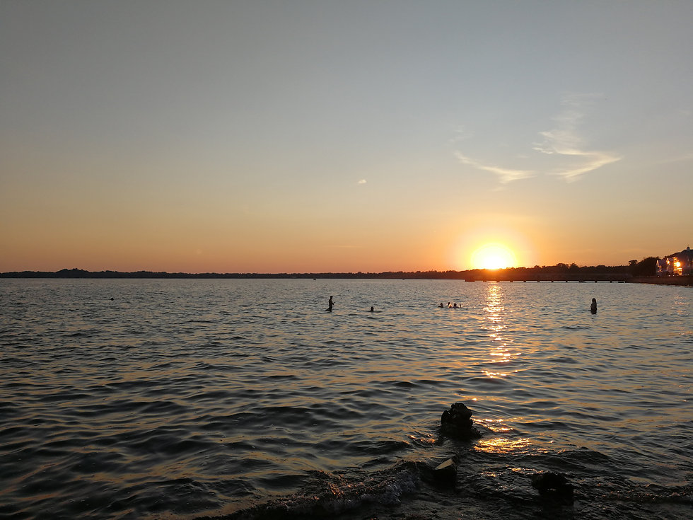 Lake Erie_Crystal Beach_Leah Feor (10).jpg