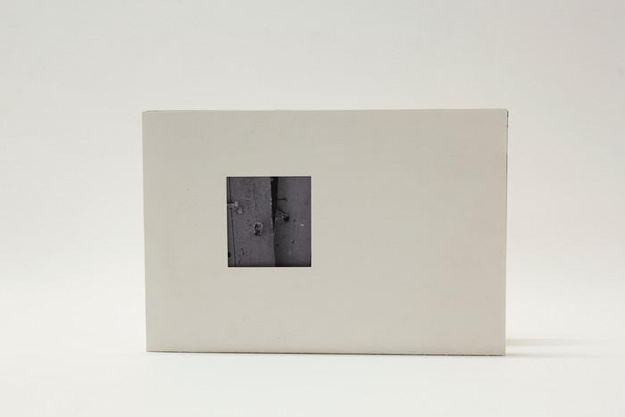 vista frontal do livro fechado 14 x 21 cm