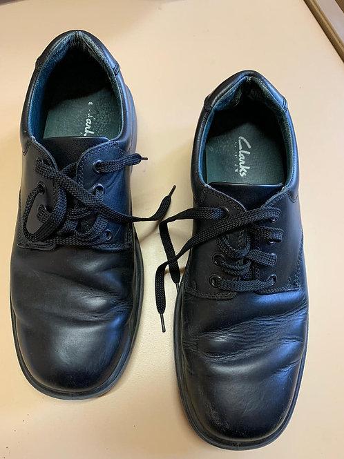 Boys Clarks Shoes Size 9 1/2 E