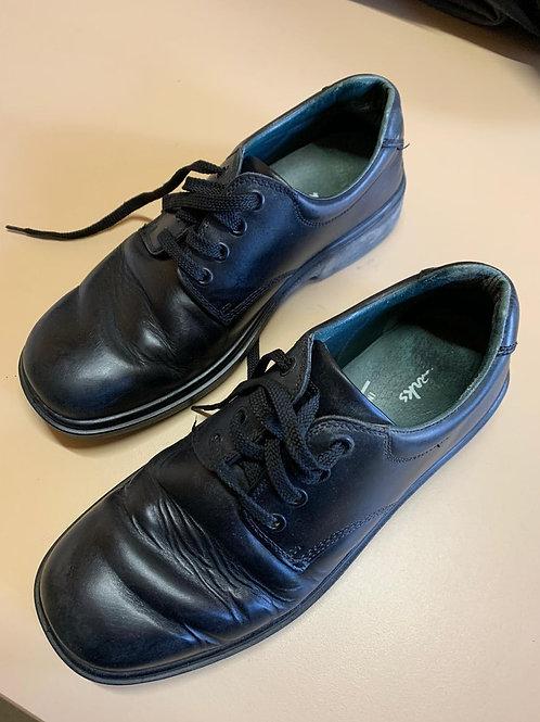 Boys Clarks Shoes Size 8 1/2 E
