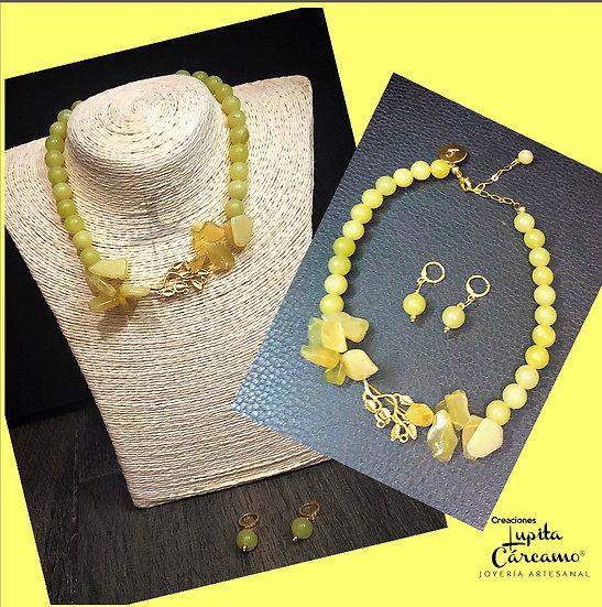 Collar beau jaune