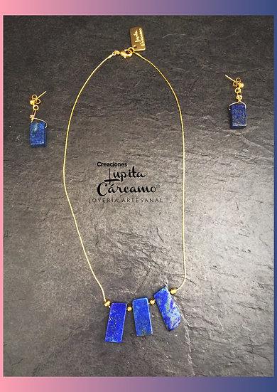 Gargantilla  de chapa de oro con lapislázuli