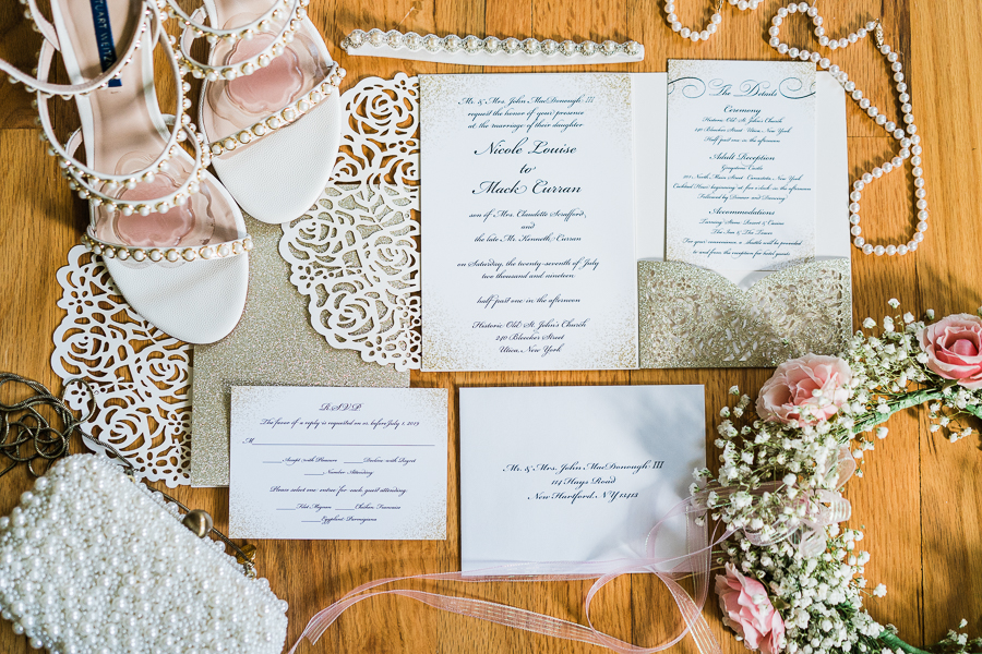 Gold Pocket Invitation (Photo credit Janelle Rodriguez Photography)