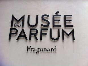 LE MUSÉE DU PARFUM, UN VOYAGE POÉTIQUE