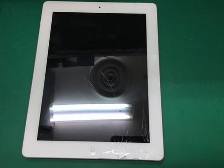 iPad4世代のタッチパネルガラス割れ修理