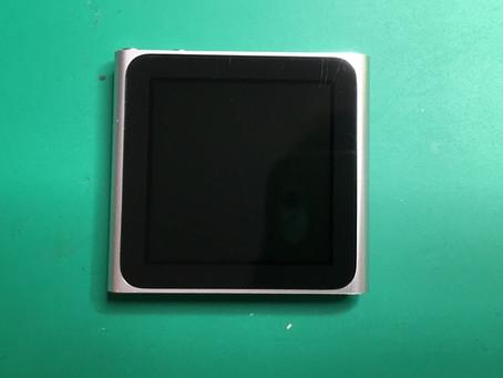 iPod nano6世代スリープボタンが陥没して押せなくなってしまいました。電源ボタン修理