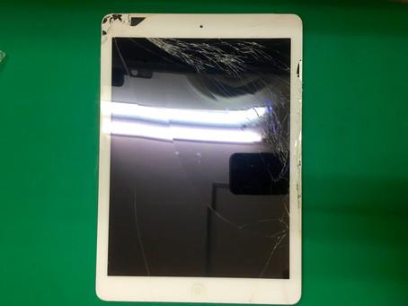 タッチパネルが粉々になったiPad Air初代ガラス割れ修理