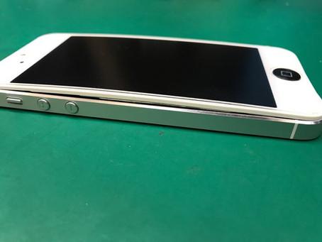 【iPhone修理】5年以上使ってきたiPhoneが悲鳴を上げました
