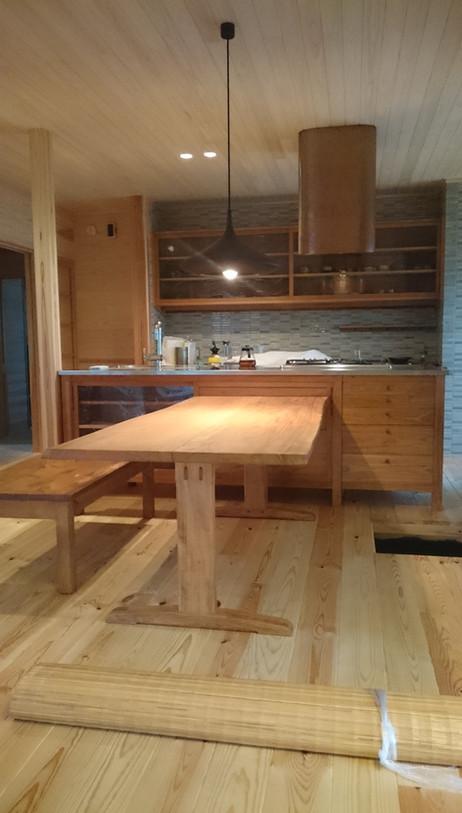 W様邸 キッチン 材料:本桜