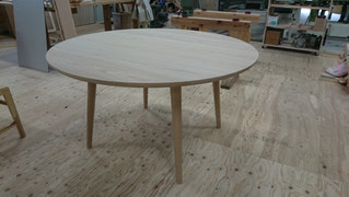 円卓 材料:タモ Φ120 高さ70cm