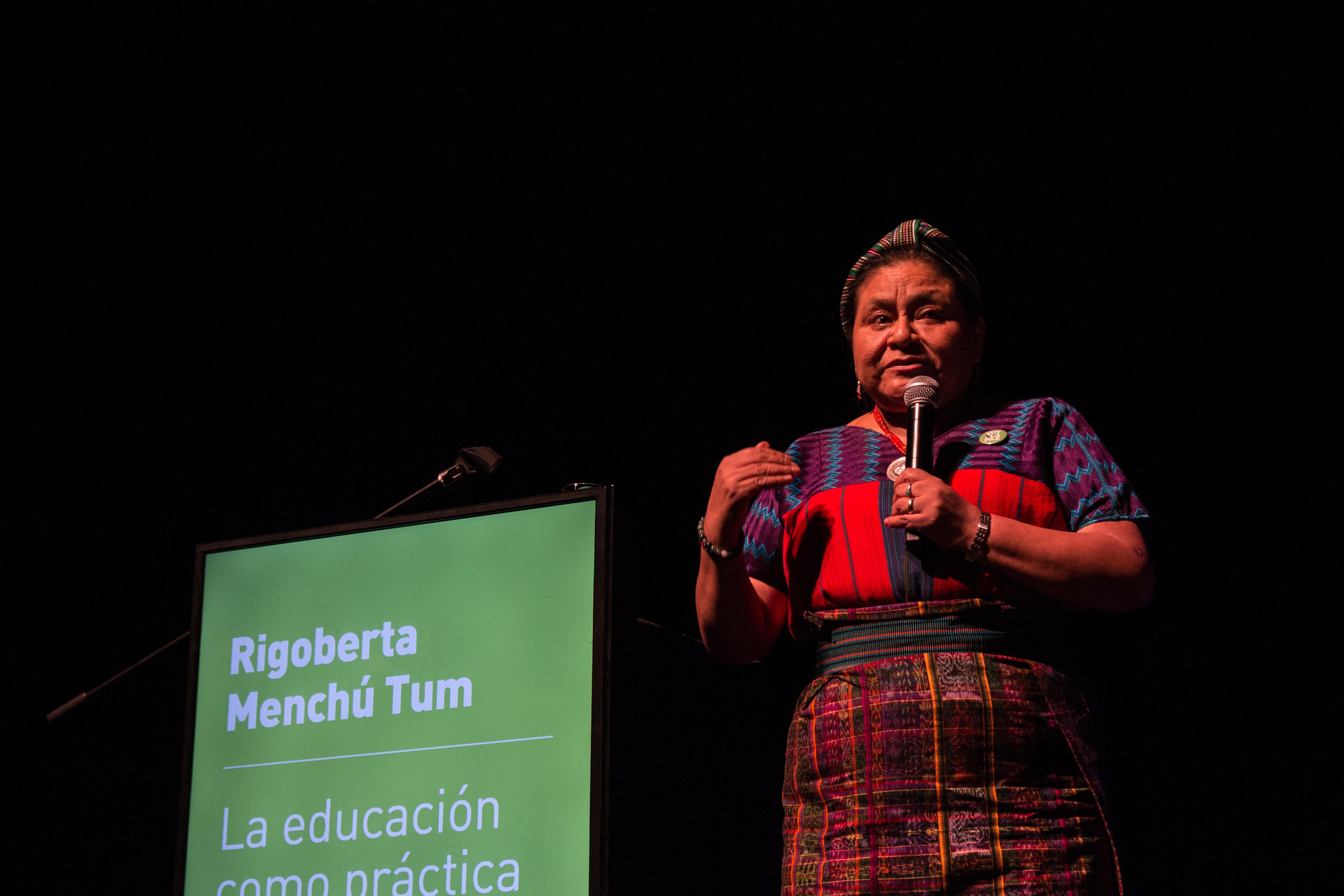 Panel Rigoberta Menchu Tum (11)