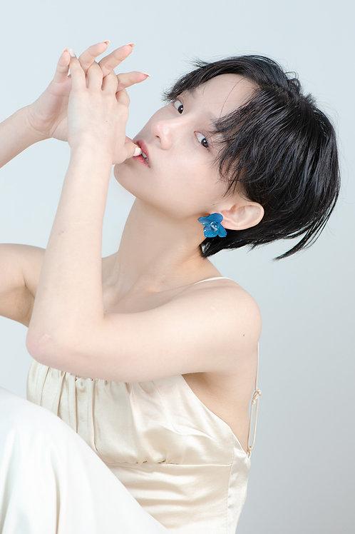 Royalblue Flower Earrings