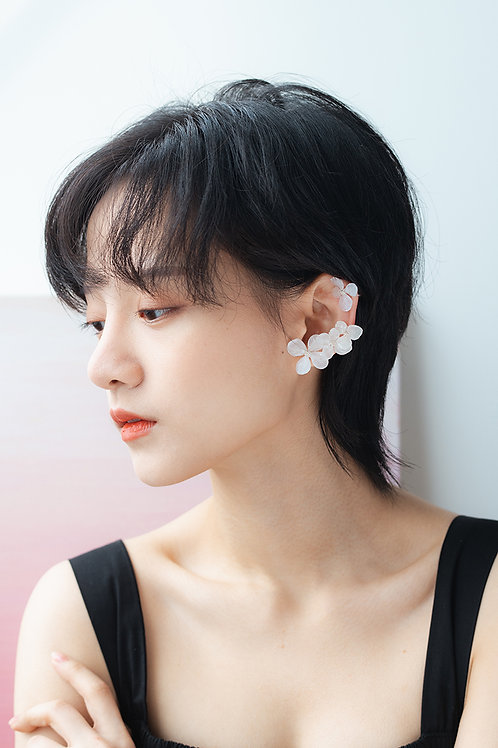 White Dreamer Earrings Set