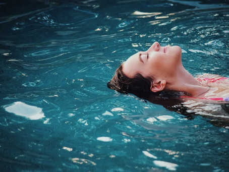 How To Protect Your Hair From Chlorine (& How To Remove It When You Can't)