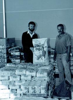 Donald and customer with dog food.jpg