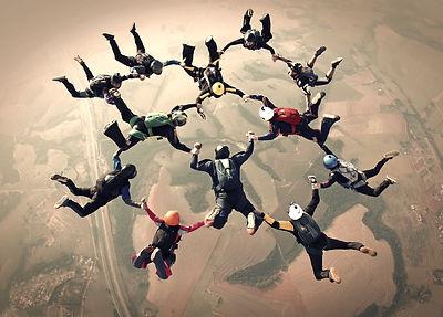 Skydivers%20team%20work%20photo%20effect