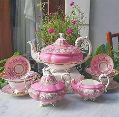 pink tea set.jpg