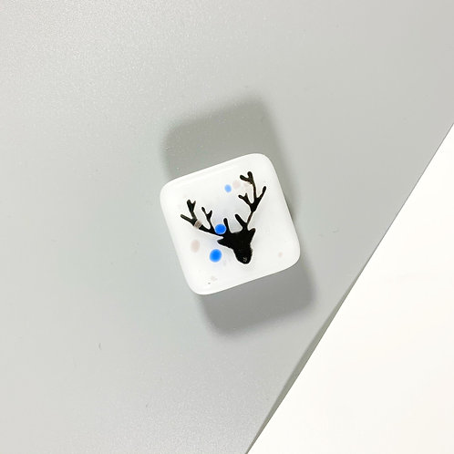 Stag Magnet