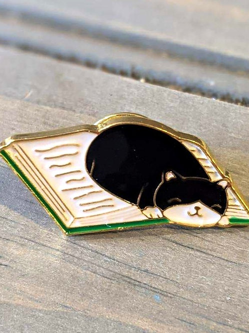 Book Worm Cat: Pin