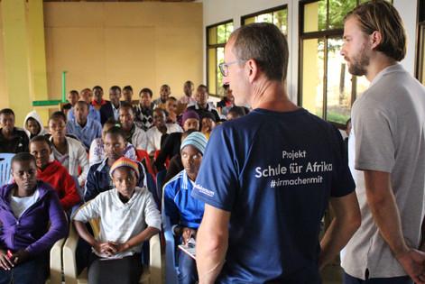 Der erste Besuch in Arusha/Tansania