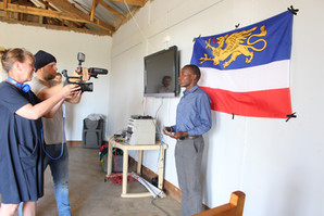 Dreharbeiten in Arusha für die erste Dokumentation