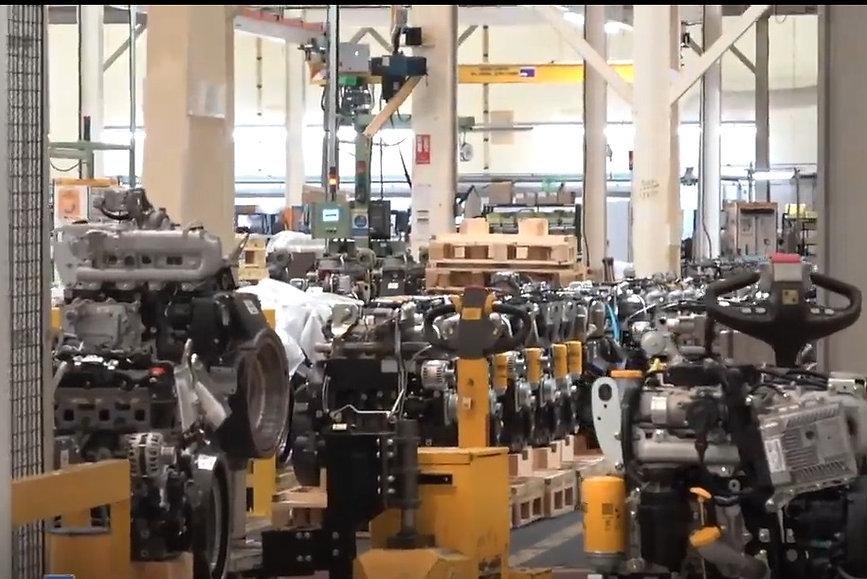 Hydrogen Fueled Construction Equipment Vehciles Cat JCB Man Volvo Komatsu (17).jpeg