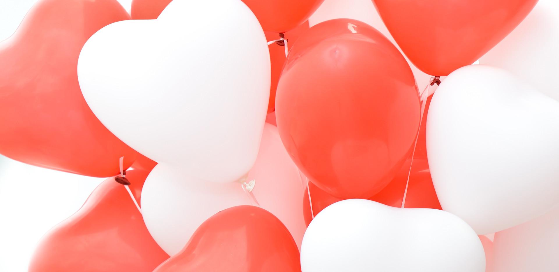 Luftballons_rot_weiß.jpg