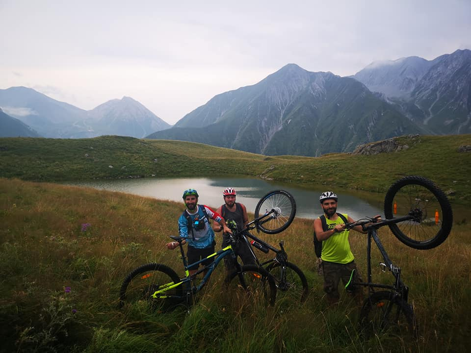 Mountain bike in Kazbegi (1)