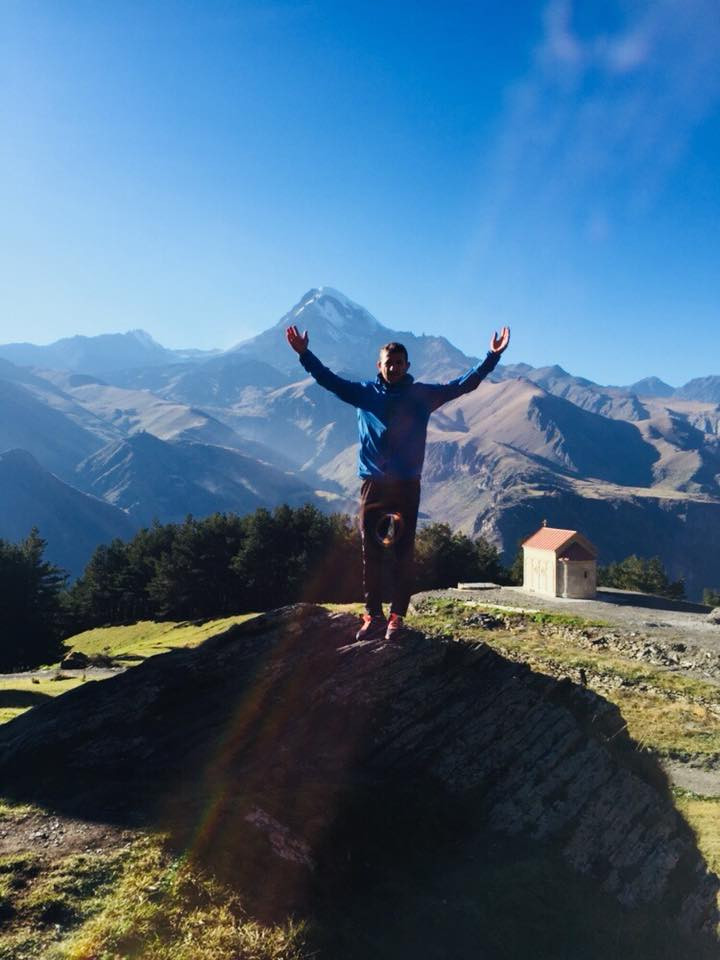 Running tour Kazbegi georgia