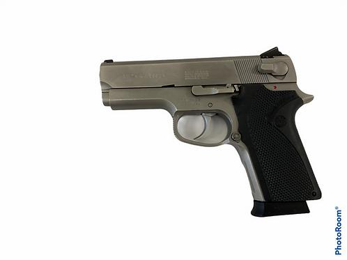 Smith & Wesson 4516-1 (.45 ACP)