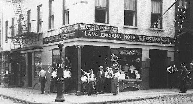 La Valencia, taverna i hostal de Manhattan