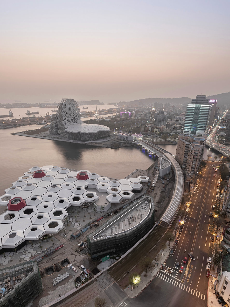 Kaohsiung_pop_music_center