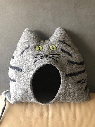 POLLY - Tigerkatze mit offenen Augen