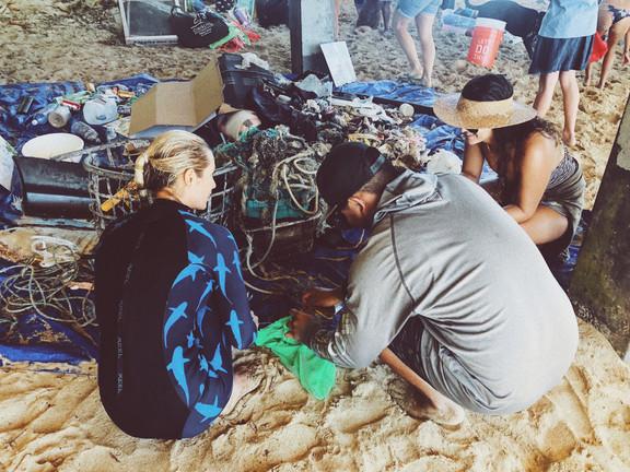 Siena Schaar Ocean Ramsey Keiko Conservation One Ocean Diving Water Inspired Reef And Beach Cleanup Makai Pier Hawaii