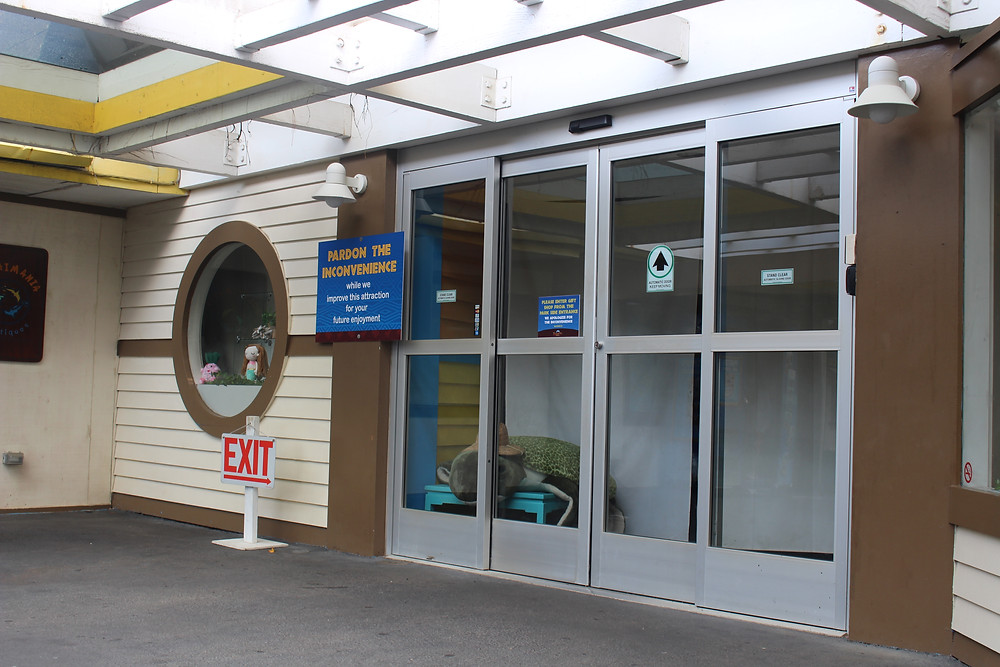 Sea Life Park Condemned Building