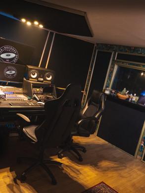 karmarecordsstudio-4.jpg