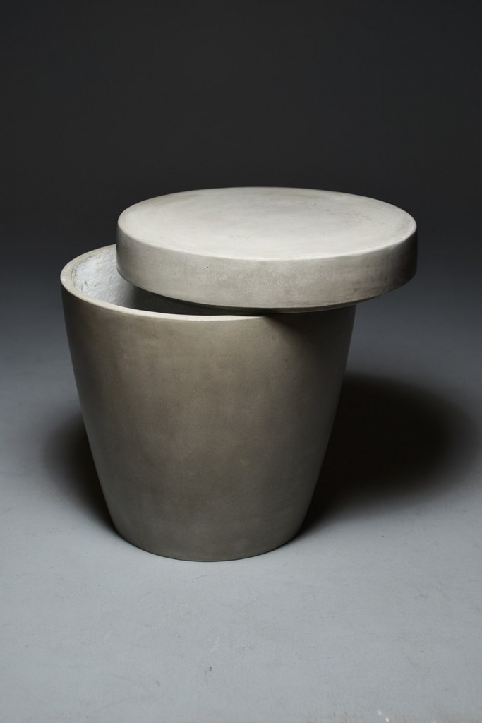 OSSO Concrete Stool