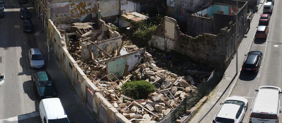 Demolitions completed. (Demolições concluídas.)