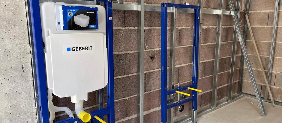Instalações hidráulicas e elétricas (Hydraulic and electrical installations)