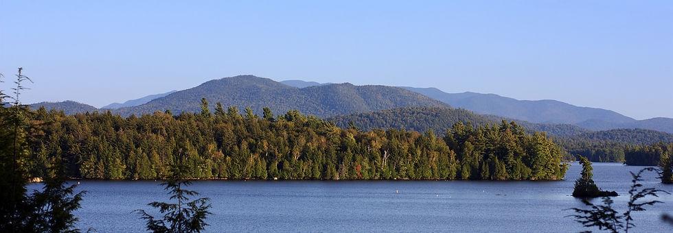 lake-2294485_1920_edited.jpg