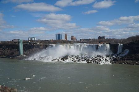 waterfall-2482593_1920.jpg