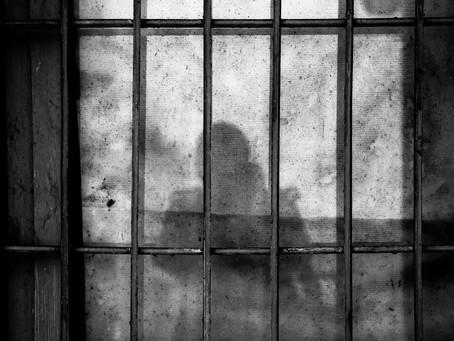 É primitivo nos regozijarmos com prisão de pessoas