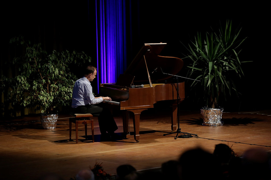 On stage-piano1.jpg