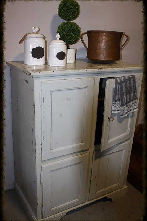 Early 20th Century Vintage Kitchen Cupboard