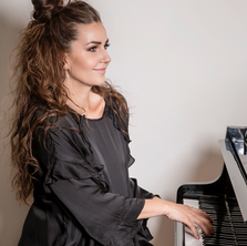 gudrun-arny-piano-songur.png