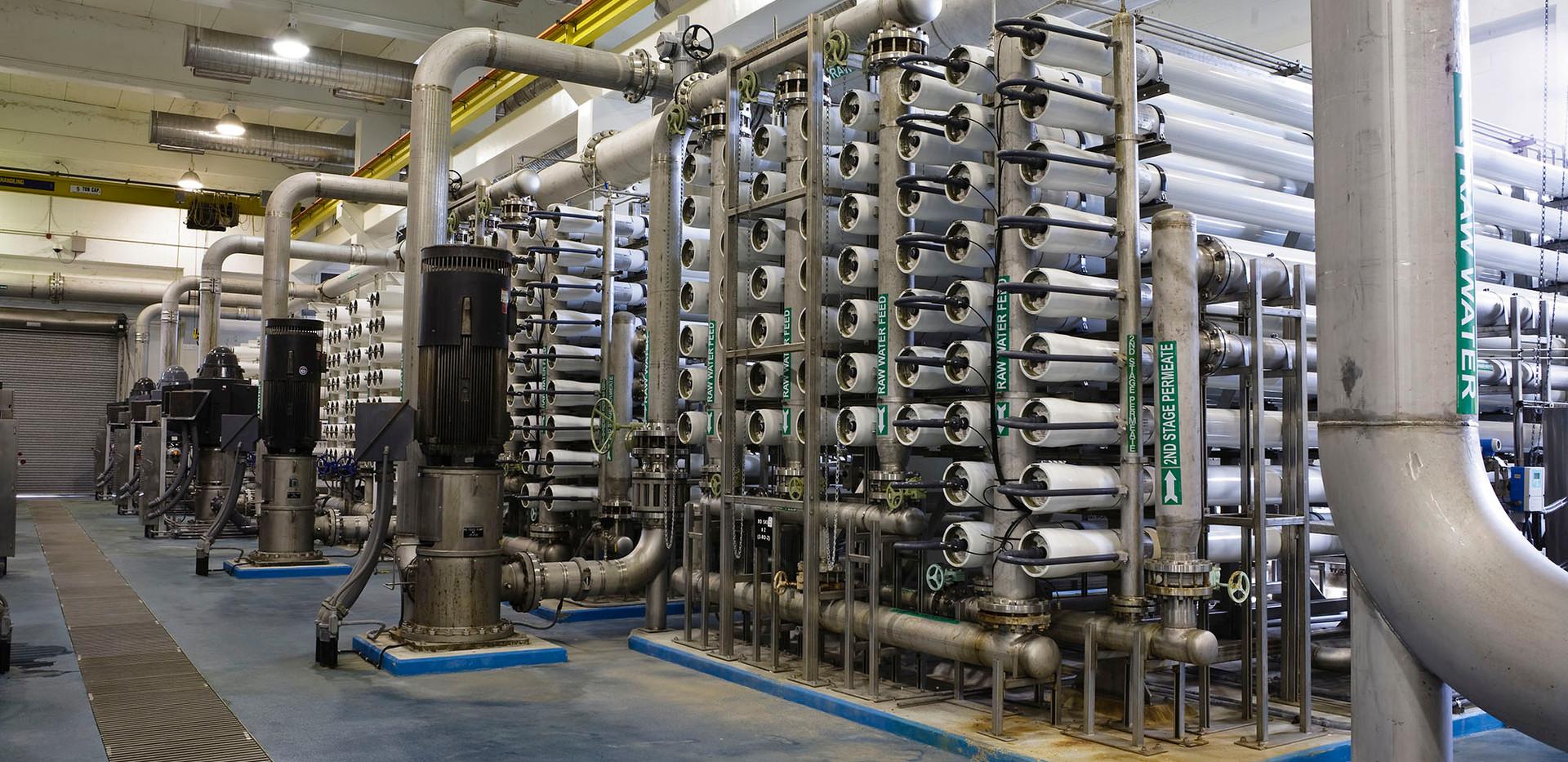 Interior-of-Reverse-Osmosis-Water-Purifi