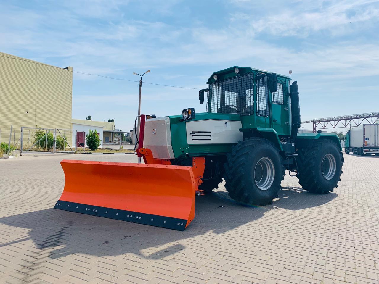 Трактор ХТА-208.1СХ          