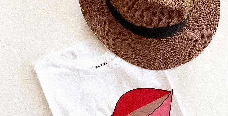 Kiss Me T-shirt - White
